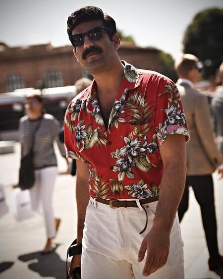 Nueve camisas coloridas, frescas y muy optimistas de Springfield para subir de tono tus looks de verano