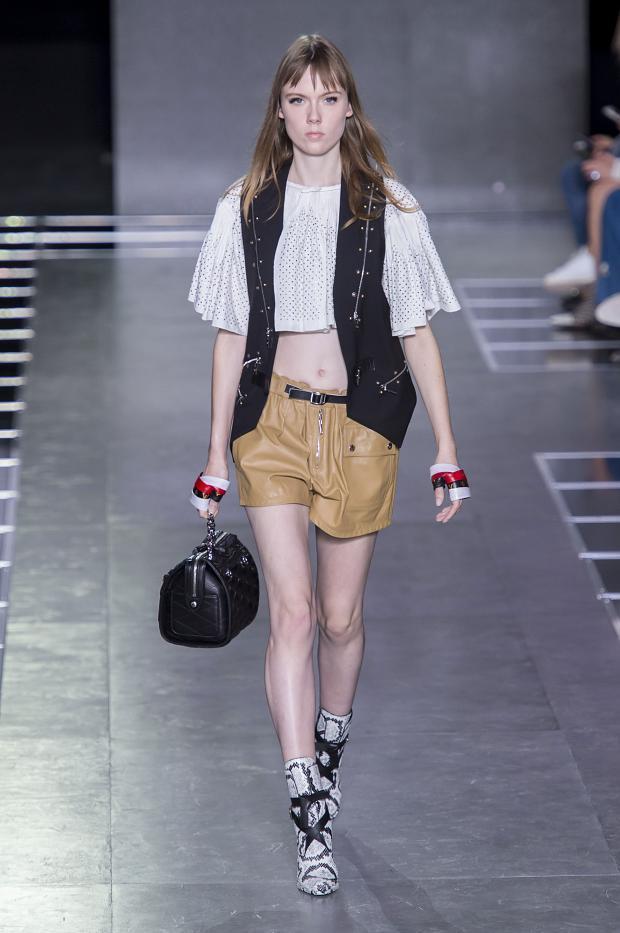 Foto de Louis Vuitton primavera-verano 2016 (27/32)