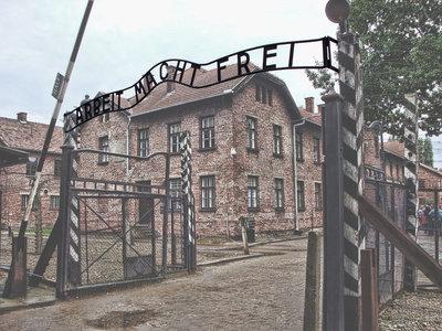 Una profesora lucha contra el racismo en clase con viajes a Auschwitz