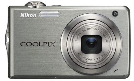 Nikon Coolpix S630, S620, S220 y S230, con zoom largo y pantalla táctil