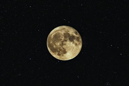 Cómo sabemos la edad que tienen las cosas que encontramos en el espacio: el misterio de 'Ina', una sonda China y todos los crátes que hemos contado sobre la Luna