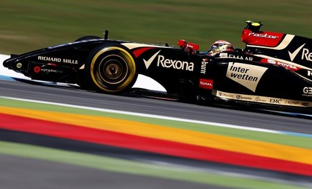 Pastor Maldonado seguirá una temporada más con Lotus
