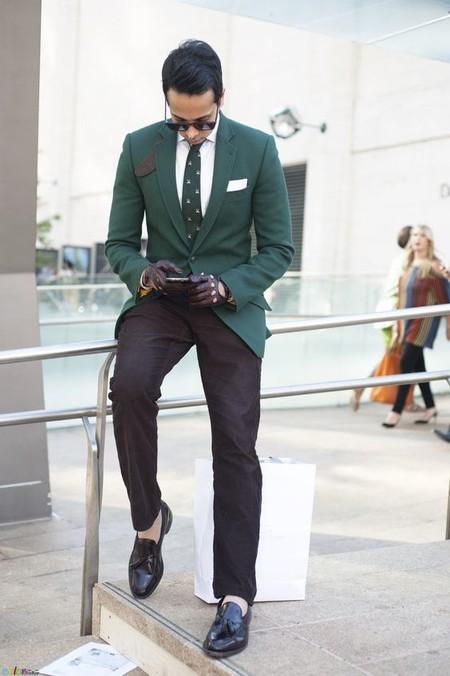 El Mejor Street Style De La Semana Adopta El Color Verde Como El Preferido Para La Transicion 11
