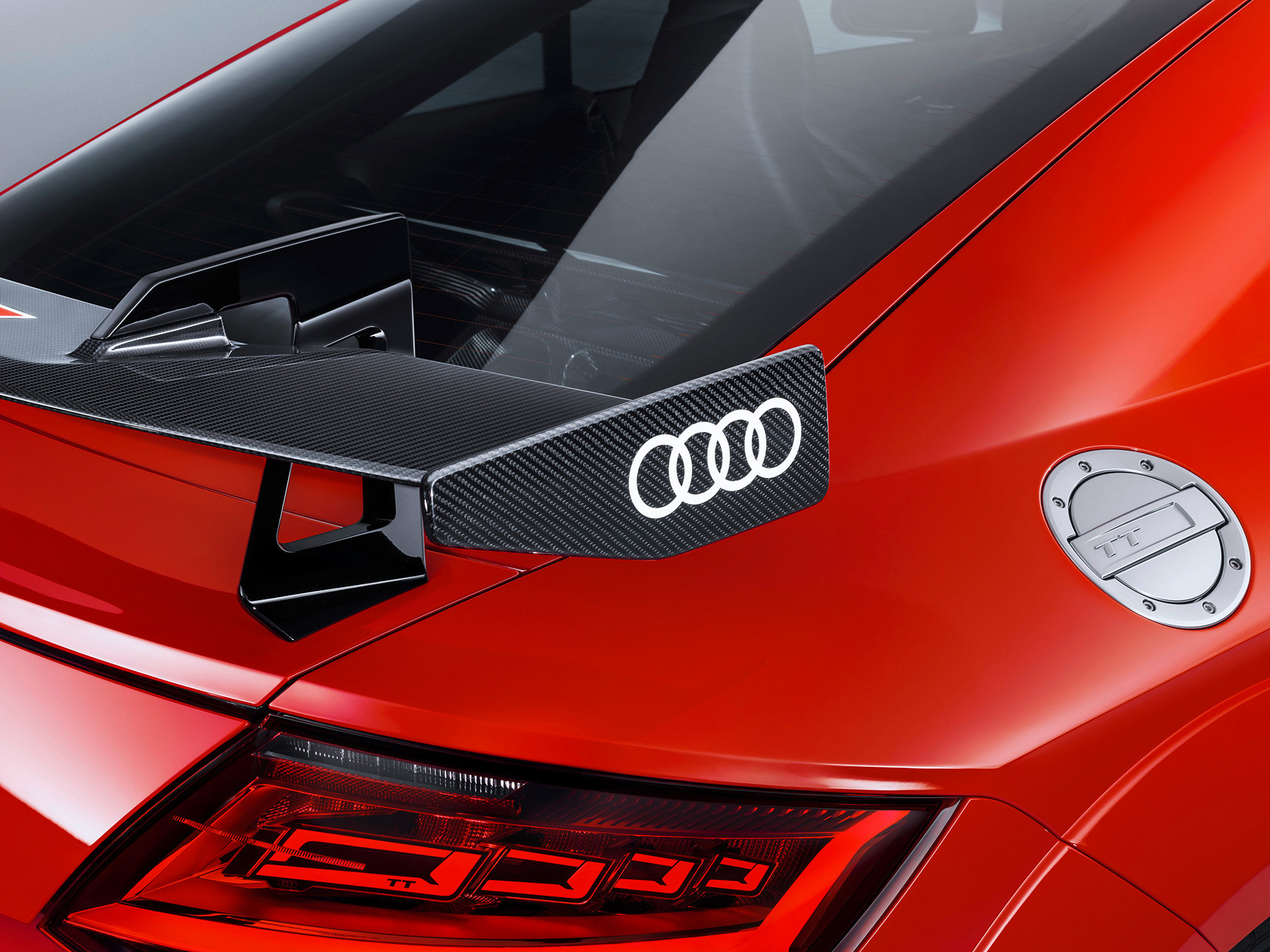 Foto de Audi Sport Performance Parts le inyecta más deportividad al R8 y TT (2/10)
