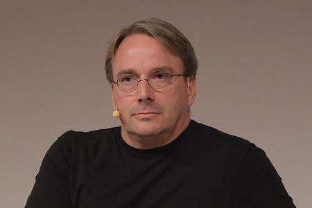 Linus Torvalds se toma un descanso de Linux para intentar arreglar su propio comportamiento