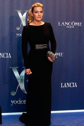 Kate Winslet se arrima a nuestras famosas patrias en los premios 'Yo, Dona'