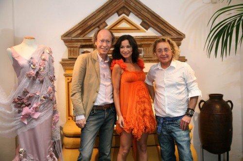 """Victorio y Lucchino presentan su vestuario para el espectáculo """"Cayetana"""" de Cecilia Gómez. Mañana estreno."""