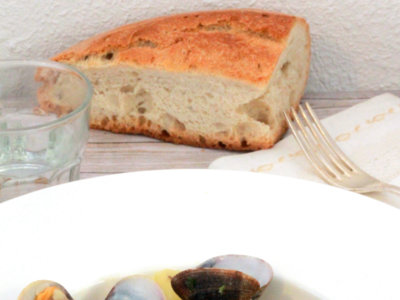 Almejas gallegas con cachelos. Receta de Cuaresma y Semana Santa