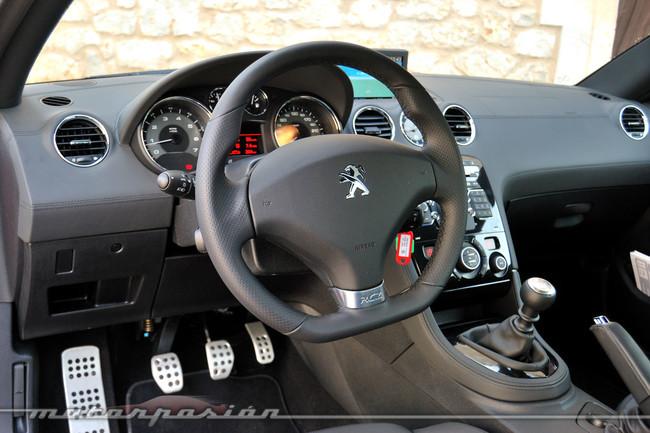 Peugeot RCZ 2013 interior