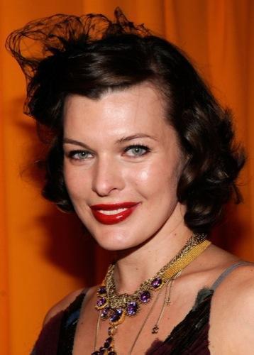 Tendencias en peinados para la Primavera-Verano 2010: el estilo de las celebrities. Mila Jovovich