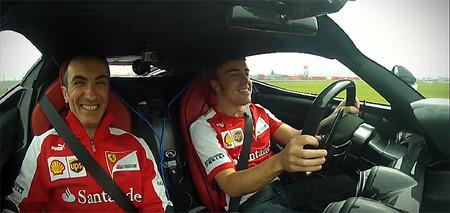 Fernando Alonso se da un par de vueltecitas a Fiorano con el LaFerrari