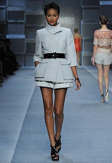 Foto de Karl Lagerfeld, Primavera-Verano 2010 en la Semana de la Moda de París (12/15)