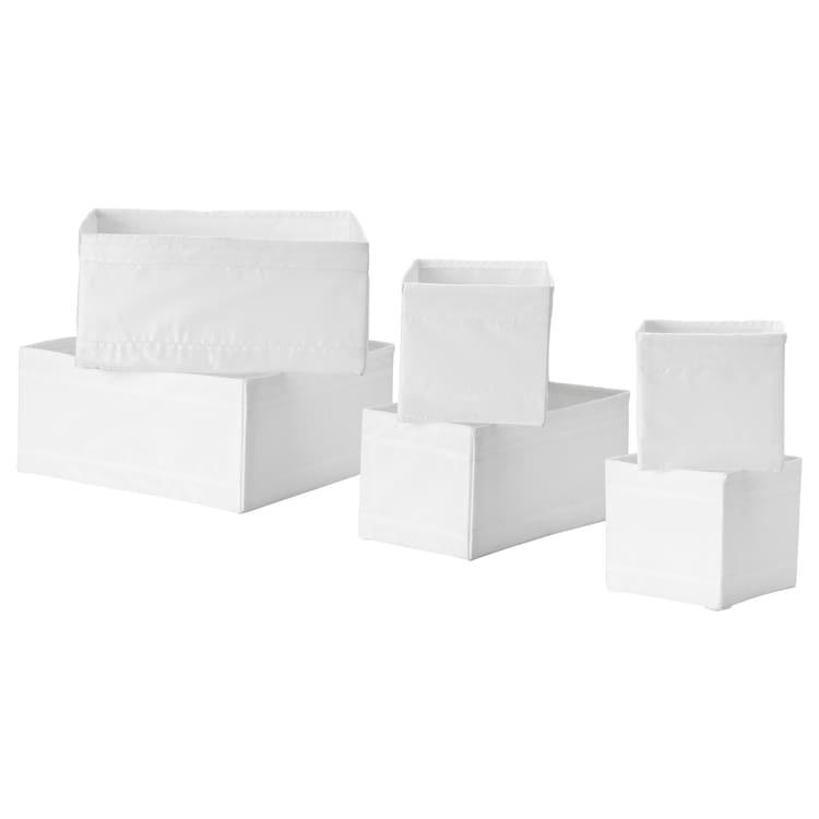 Juego de seis cajas en blanco