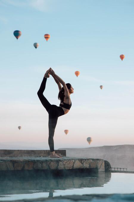 Oysho amplía sus clases de yoga virtual con sesiones en directo desde siete ciudades preciosas a las que tenemos muchas ganas de volver a viajar