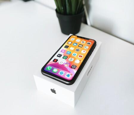 """La beta de iOS 14.2 quita los auriculares """"incluidos"""" del iPhone 12, entre otros cambios"""