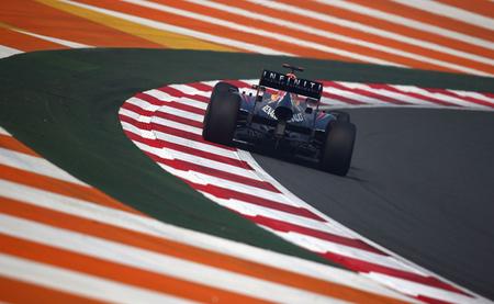 Sebastian Vettel logra una esperada pole position con Red Bull copando la primera fila