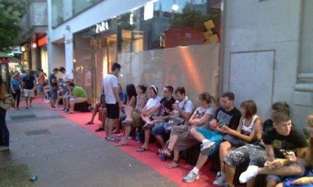 """Así es la """"noche del iPhone 4"""" en España"""