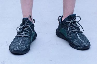 ¿Quieres las zapatillas de Kanye West para Adidas sin gastarte todo tu presupuesto veraniego? Zara Man te lo pone un poco más fácil