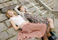 """Cuando Sienna Miller encontró a Keira Knightley. Copia su estilazo low cost en la vuelta al """"cole"""""""