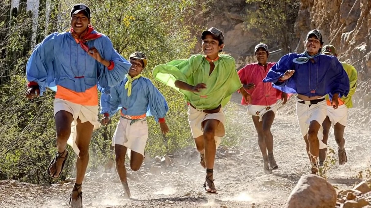 Confusiones de los que nos quieren distinguir entre indios y mexicanos. - Página 2 1366_2000