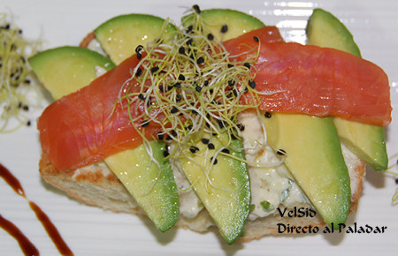 tosta_aguacate_salmon_mascarpone1.jpg