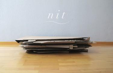 Hazlo tú mismo: cajas de cartón convertidas en una mesilla de noche