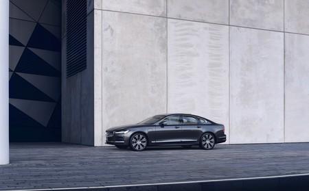 Volvo les da un toque de electrificación a los nuevos S90 y V90