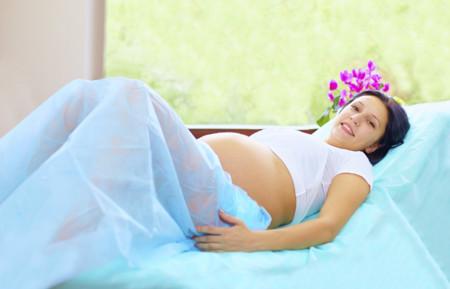 Un tipo de sutura en el cerclaje uterino podría tener más riesgos que beneficios