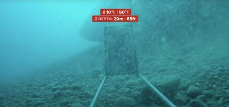 Así resiste el iPhone 12 a un test de submarinismo realizado en CNET