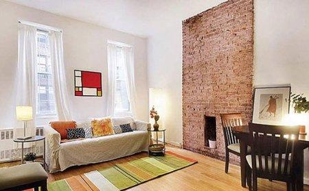 Una casa preparada para el otoño con alfombras.