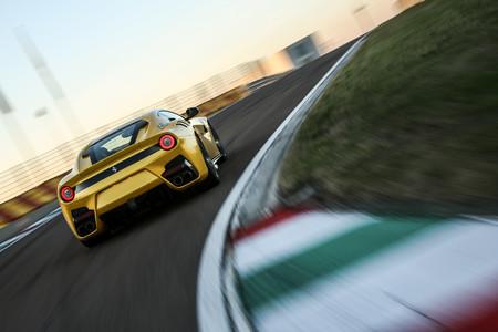 Ferrari F12 TDF trasera