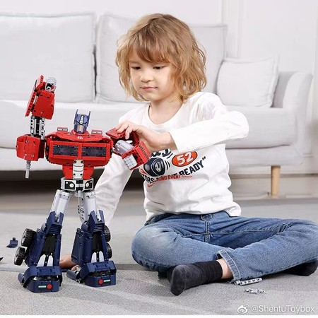 Xiaomi Hasbro Transformer Optimus Prime 5