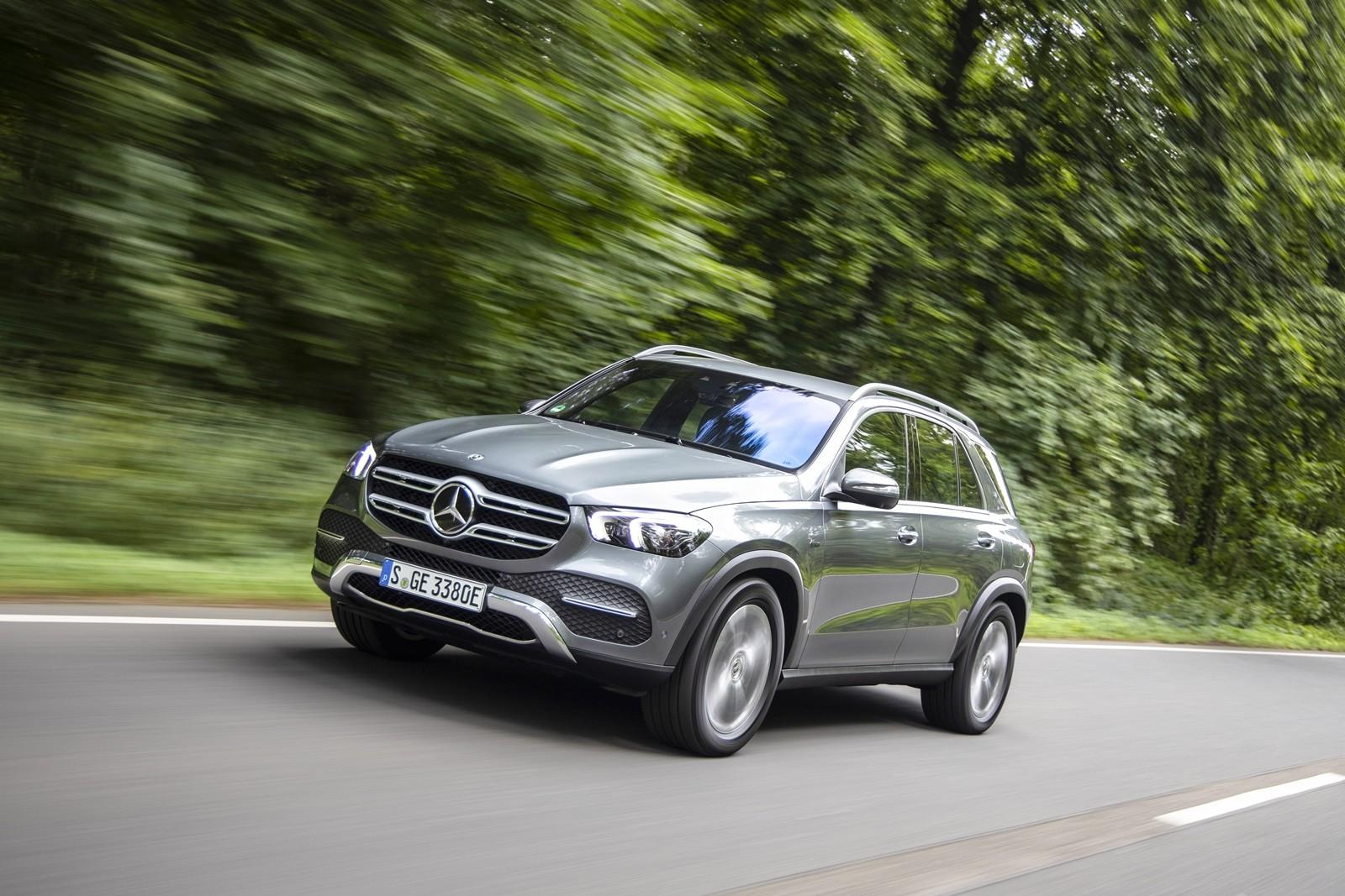 Foto de Mercedes-Benz GLE 350 de y GLC 300 e 2019 (13/13)