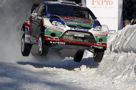 Rally de Suecia 2011: Mikko Hirvonen aumenta el ritmo y ya es primero