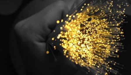 Más de dos tercios de los accesos de fibra óptica en España se concentran en Madrid y Barcelona