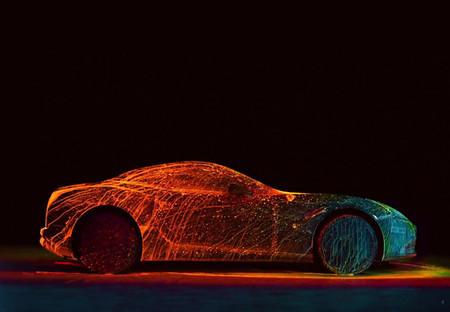 Video: Ferrari California T bañado en pintura UV