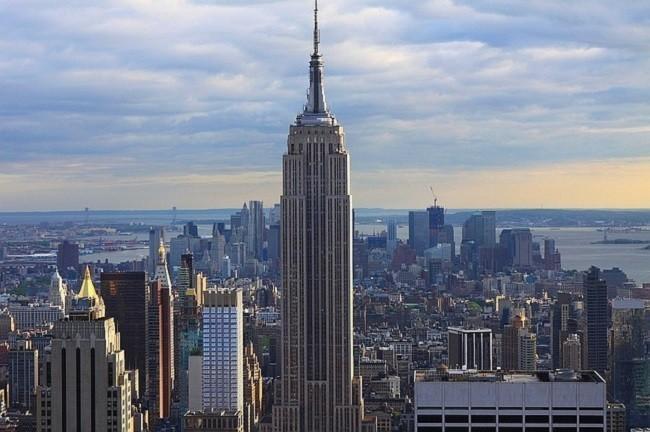 ¿Podría matarnos una moneda lanzada desde un rascacielos?