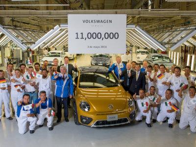 Volkswagen celebra la fabricación del auto No. 11,000,000 en su planta de Puebla