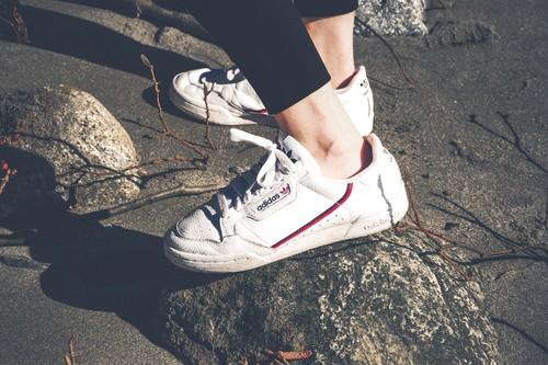Las mejores ofertas de zapatillas Adidas para aprovechar el cupón del 30% de descuento en toda la web oficial