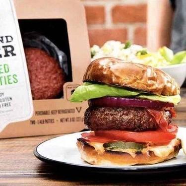 """La """"carne"""" que no es carne puede ser más sana, pero contiene altos índices de grasa saturada"""