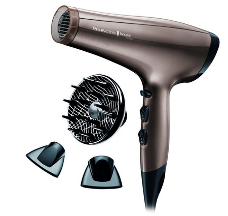 Por 30,90 euros tenemos el secador de pelo iónico Remington AC8000 Keratin Therapy en Amazon