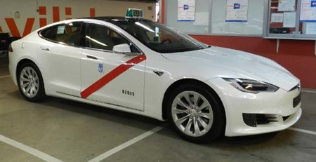 Tesla Model S Taxi Madrid