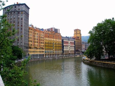 La Ribera de la Ría de Nervión, Bilbao, Euskadi, España