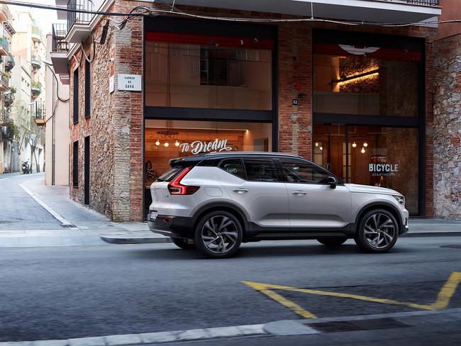 Si tienes 685 euros al mes, el Care by Volvo te ofrece chófer, niñera, asistente personal y un XC40