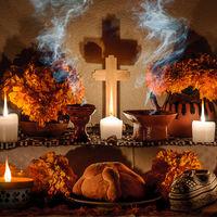 Nueve ancestrales ritos gastronómicos de los entierros que sobreviven a la globalización (y a Halloween)