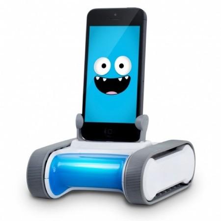 El robot Romo enseña a los niños a comprender y utilizar la tecnología jugando
