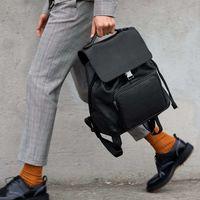 Con éstos bolsos y mochilas sobrevivirás a las lluvias con estilo este verano