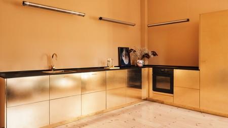 El increíble hackeo de una cocina de Ikea gracias a sus nuevos brillos dorados