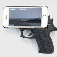 Que sí, que las carcasas para móviles con forma de pistola pueden ser peligrosas