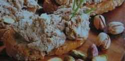 Paté rústico con pistachos